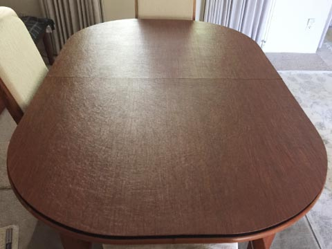 Oval dining table protector