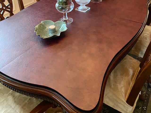 Scalloped edge curving dining table protector pad, in Mahogany Leatherlook
