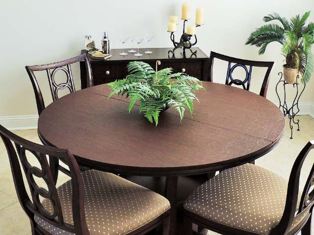 Circular table protector photo