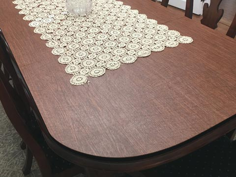 Dining room table pad with large rounded corners