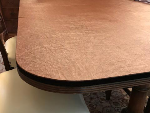 Rectangle dining room table pad rounded corner close-up