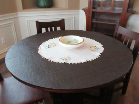 Circular table protective pad