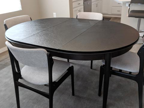 Oval table pad photo