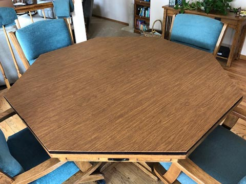Octagonal dining room table pad, in maple woodgrain