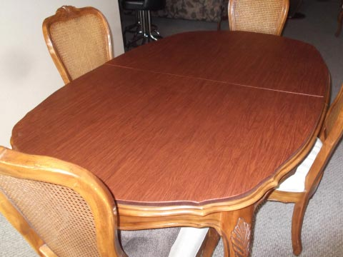 Scalloped custom dining table pad