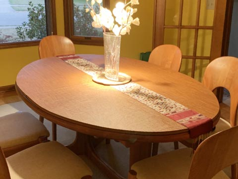 Elliptical/oval dining table protector pad