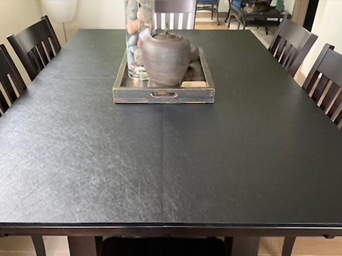 Square-cornered rectangular table protector