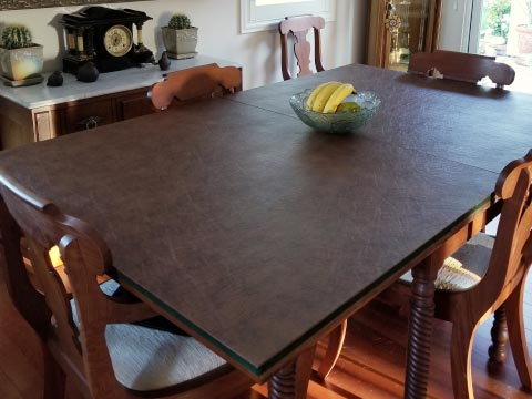 Rectangular dining table pad