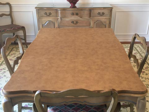 Scalloped-edge dining table protector pad, in caramel leatherlook