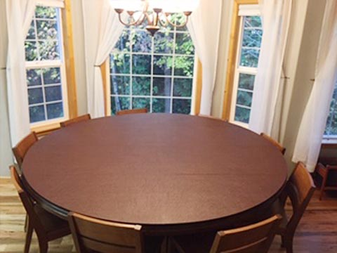 Circular dining table pad