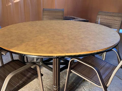 Caramel leatherlook round table protector pad