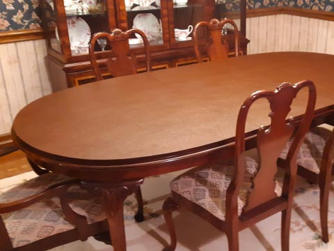 Long oval dining table pad