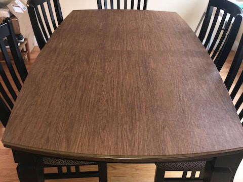 Rectangular table pad with rounded ends, in maple woodgrain