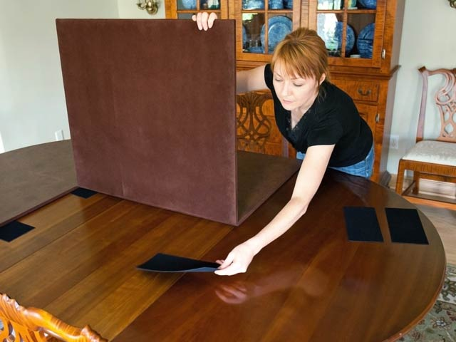 Slideshow: installation of Fabric Snug-Locks for a table pad